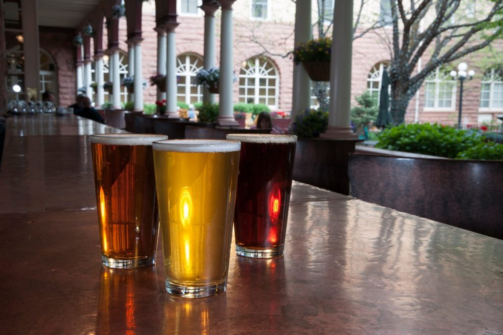 Enjoy drinks and dinner at outdoor dining venues in Glenwood Springs