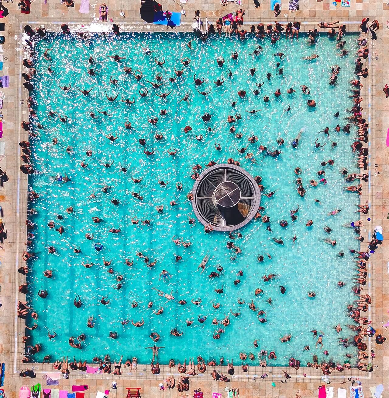 Crowded Pool: Photo by Sergio Souza from Pexels